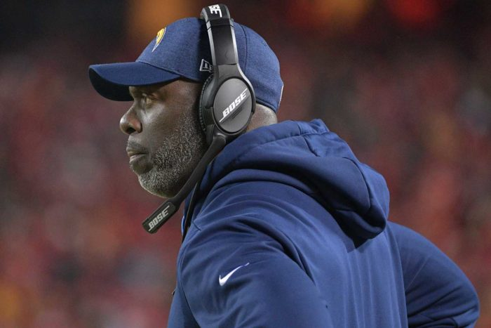 Anthony Lynn Making His Mark With Red-Hot Chargers
